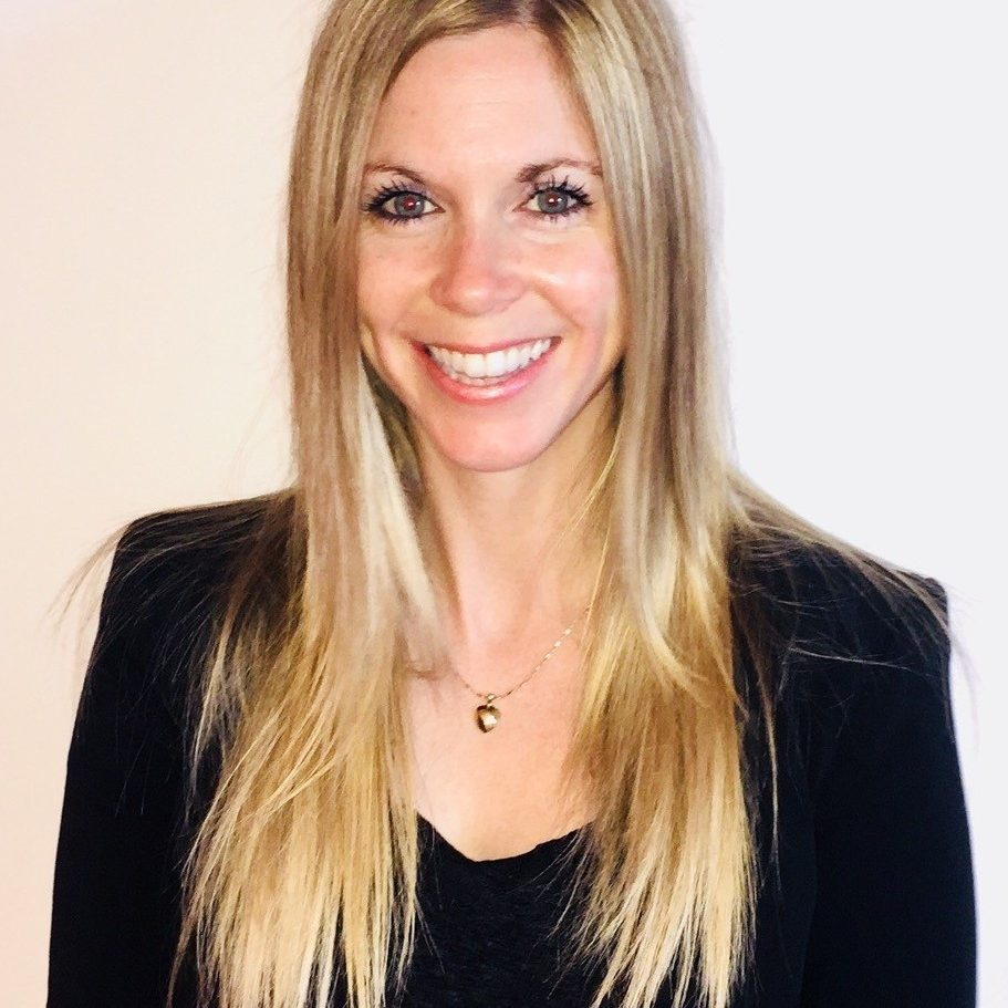 Karine Veillette Directrice des services à la clientèle